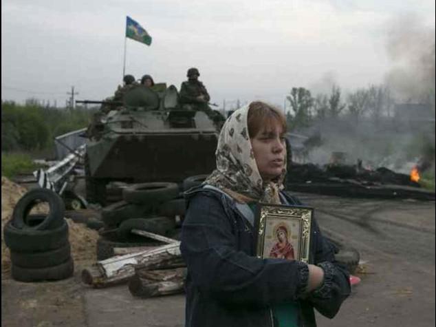 Orrore in Ucraina, tre fosse comuni a Slaviansk