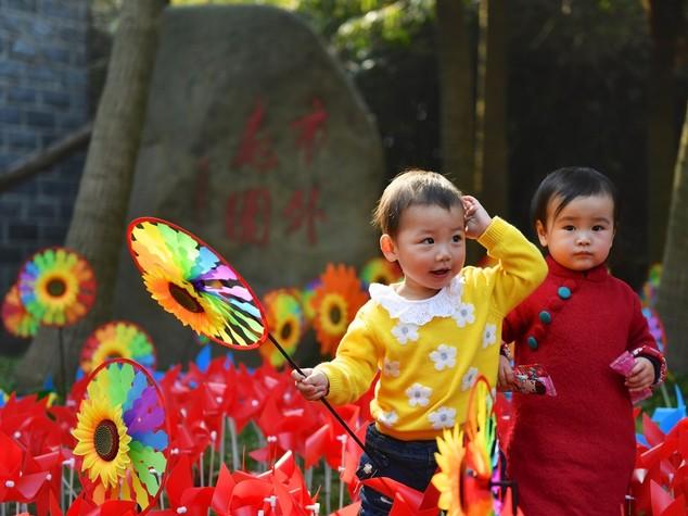 I cinesi non fanno figli. Nemmeno ora che possono