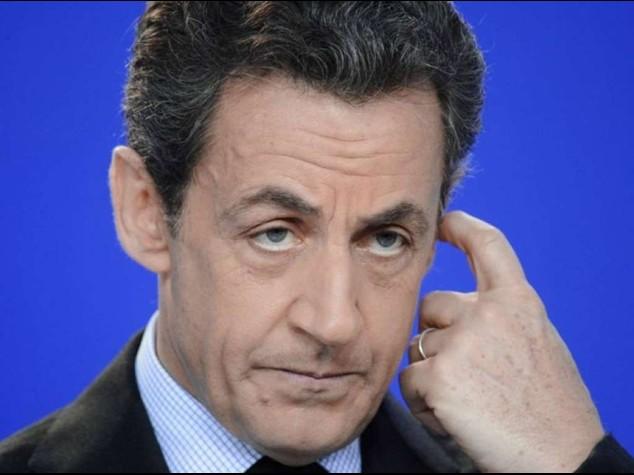 """Sarkozy fermato a Parigi  """"Spiava chi indagava su di lui"""""""