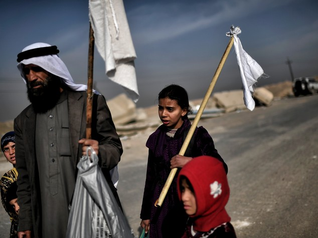 Allarme a Mosul , 'l'Isis usa i bambini come scudi umani'