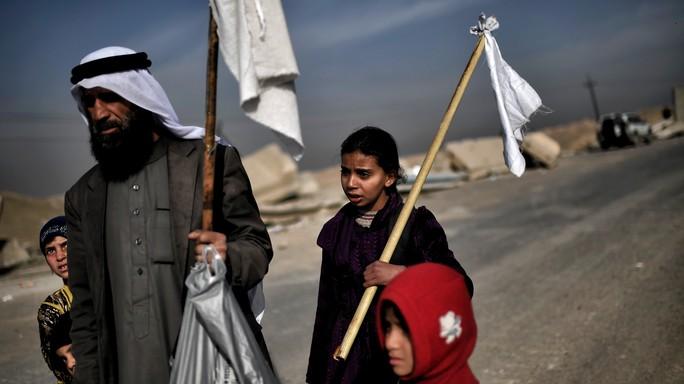 A Mosul l'Isis usa bambini come scudi umani. Il video della Bbc