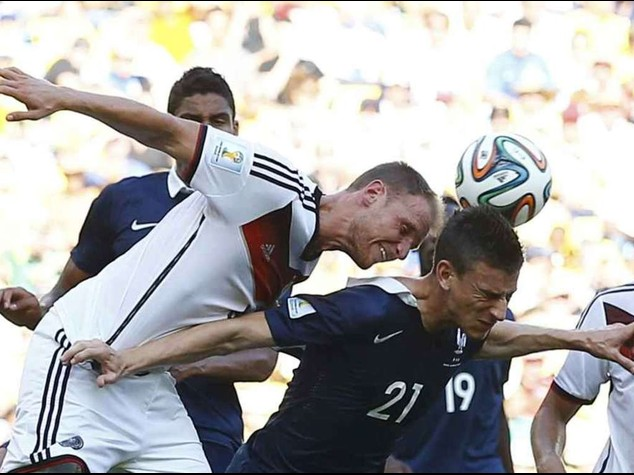 Francia ko, passa la Germania  In campo Brasile-Colombia 2-1