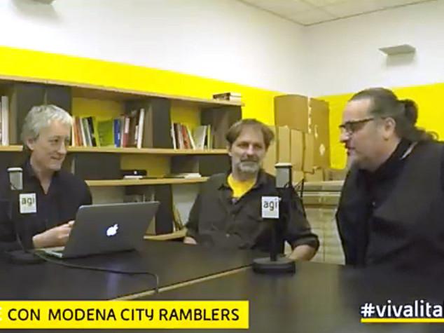 """Gli ex Modena City Ramblers diventano Dinosauri, """"cantiamo mondo di vent'anni fa"""""""