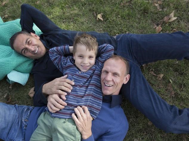 Riconosciuta per la prima volta l'adozione da padri gay
