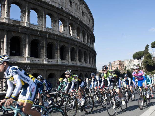Roma sposa la bici. Ecco l'anello del Grab