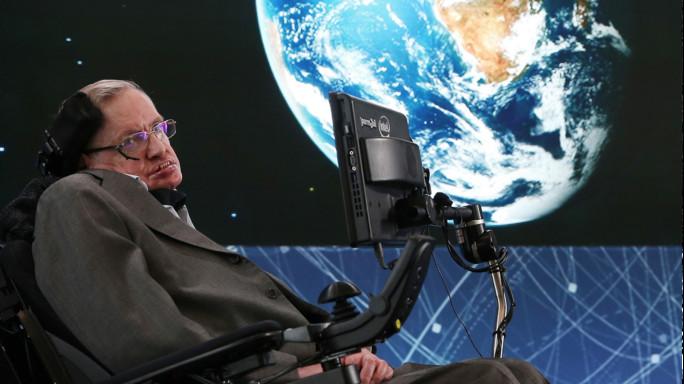 Stephen Hawking viaggerà nello spazio