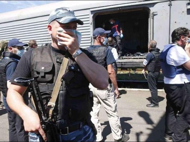 Ukraine air crash bodies sent to Netherlands for autopsy