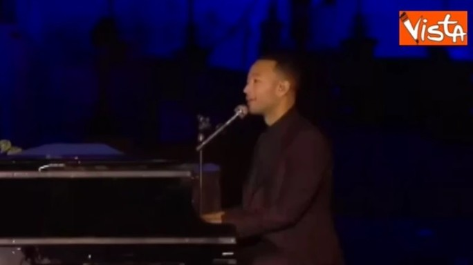 John Legend in concerto per i 25 anni di Disneyland Paris