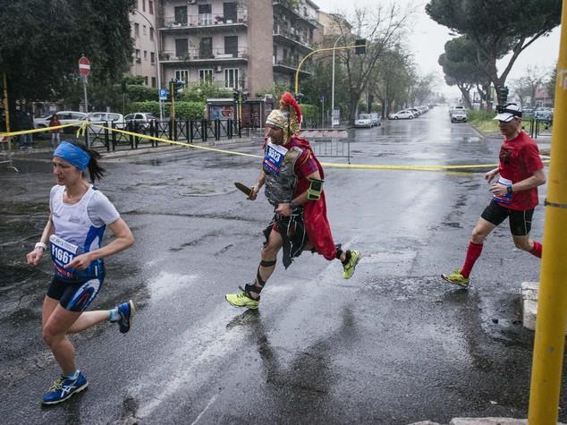 Tutta la maratona di Roma in 10 clip video