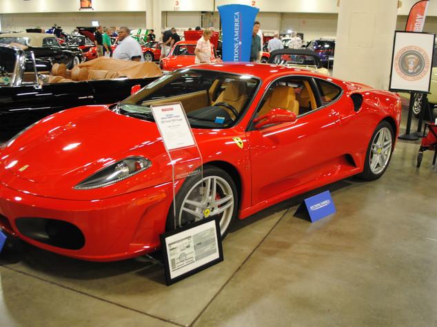 Trump: vecchia Ferrari presidente venduta per 270 mila dlr