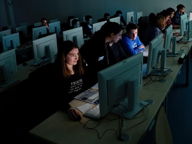 Los Angeles ci ripensa: smartphone e tablet non aiutano gli studenti