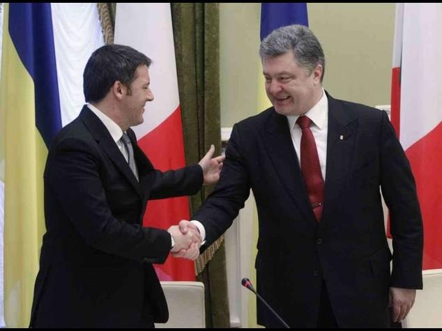 """Ucraina, Renzi rassicura Kiev """"Rispetto per la vostra sovranita'"""""""