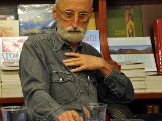 Italian novelist Antonio Moresco lands in Prague