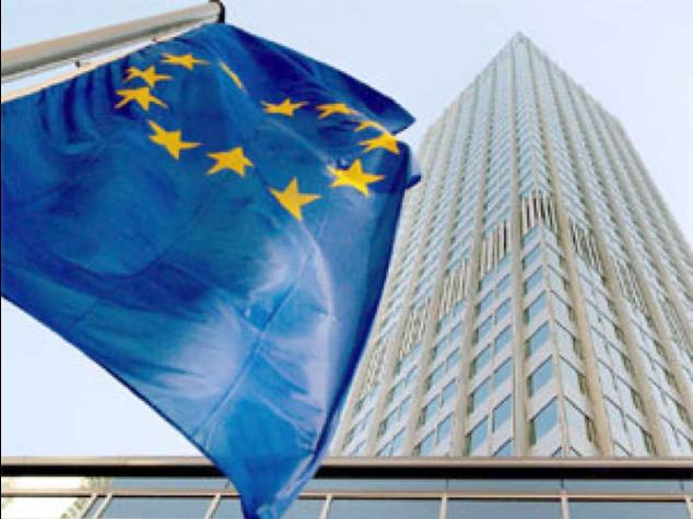Bce all'Italia, target a rischio L'Ue, produzione -25% da 2007