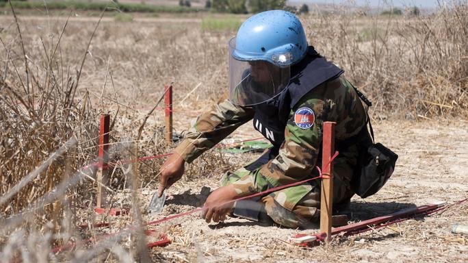 Batteri fluorescenti e laser, le nuove 'armi' contro le mine inesplose