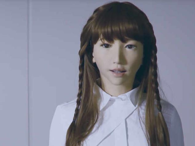 Spiritosa e determinata, ecco Erica: il robot più 'umano' mai creato
