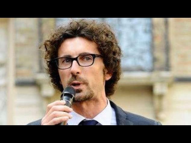 Riforme: Toninelli (M5S), che anguille Renzi e la sua ciurma!