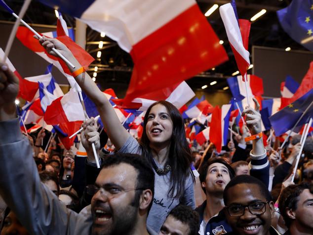Francia: Macron e Le Pen sempre in testa a primo turno