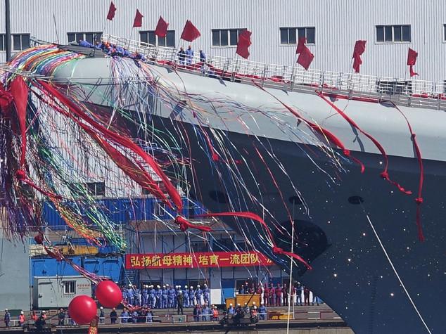 Pechino fa sfoggio di potenza, vara seconda portaerei