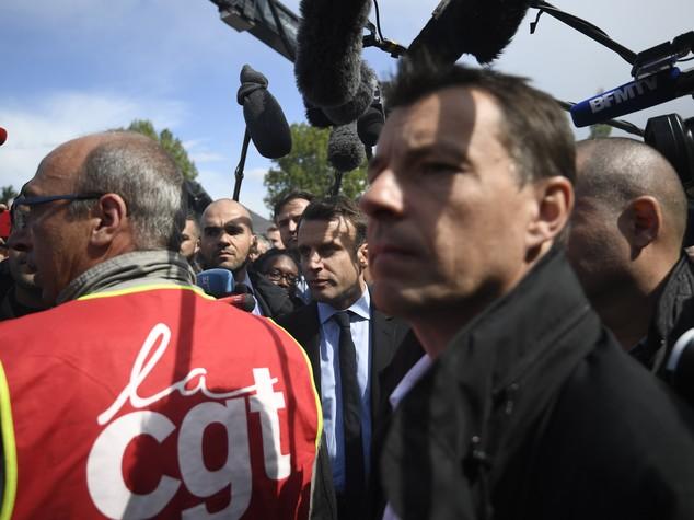 Francia, media belgi: Macron al 30%, Republicains 19%, Fn 17%