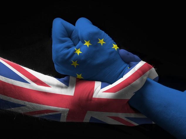Perché il conto della Brexit potrebbe salire a 100 miliardi