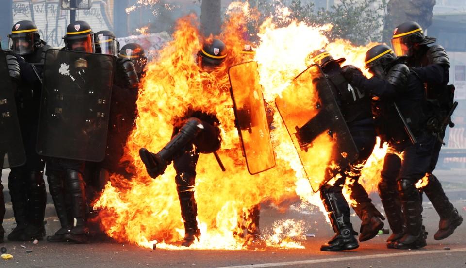 Torino, tensioni con i centri sociali al corteo del primo maggio