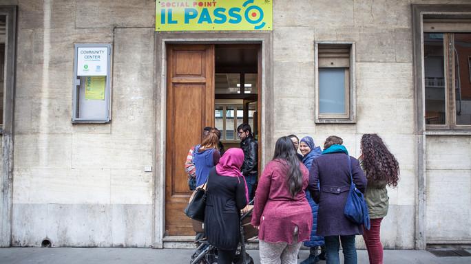 In povertà assoluta 8 italiani su 100. Cosa sono i community center nati in 4 città