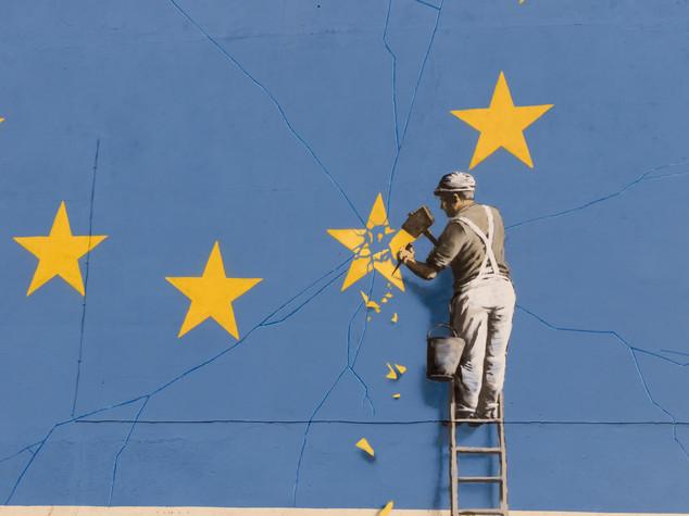 Monito di Merkel a May: facciamo in fretta con la Brexit