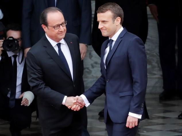I segreti e le crepe (letteralmente) dell'Eliseo accolgono Macron