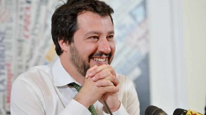 """Salvini trionfa alle primarie. """"Ora bloccare l'invasione"""""""