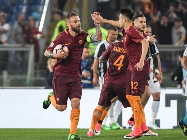 La Roma rimanda la festa della Juve Bianconeri ko 3-1, giallorossi secondi