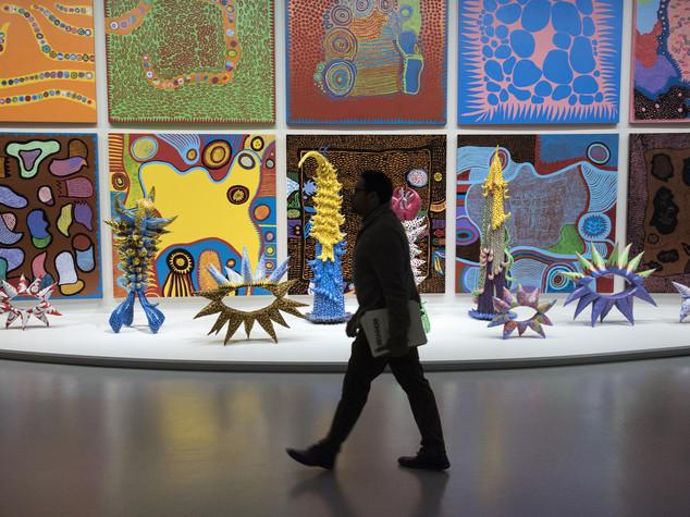 Chi è Yayoi Kusama, l'artista che vive (per scelta) in manicomio