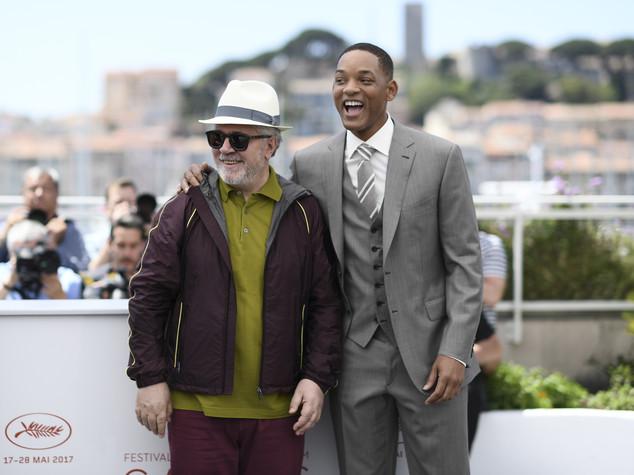 La battaglia di Cannes, Netflix debutta tra i fischi (e gli intoppi)