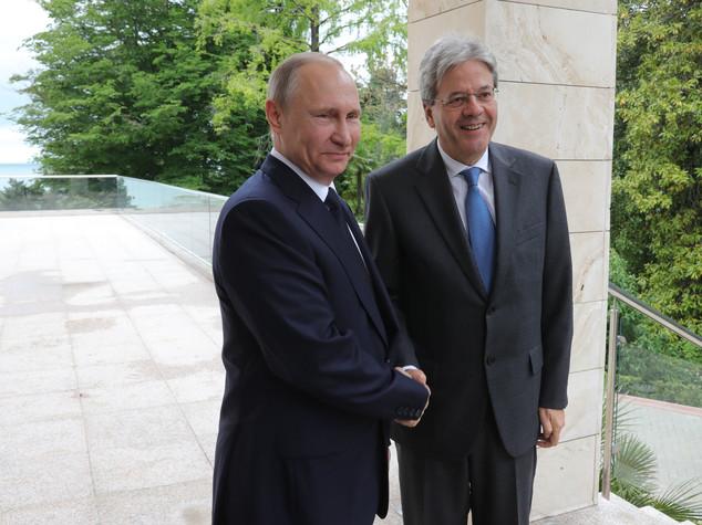 Gentiloni, Putin e i sei accordi di Sochi