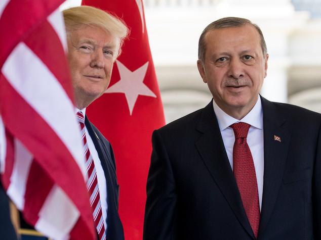 Erdogan, a mani vuote da Washington