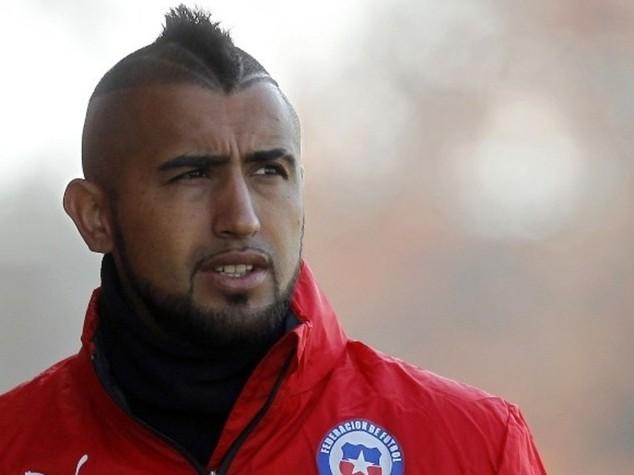 """Calcio: Vidal si schianta con Ferrari, ferita moglie """"stiamo bene"""""""