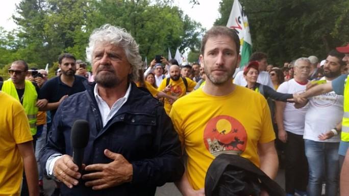 """""""Grillo prepara l'addio al Movimento 5 stelle"""" scrive il Giornale"""