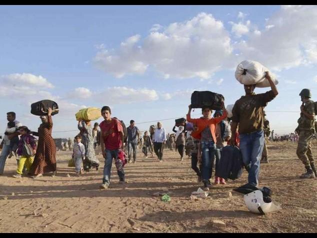 Isis avanza in Iraq, ma i curdi frenano l'attacco in Siria