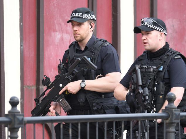 Kamikaze a Manchester: almeno 22 morti e 59 feriti