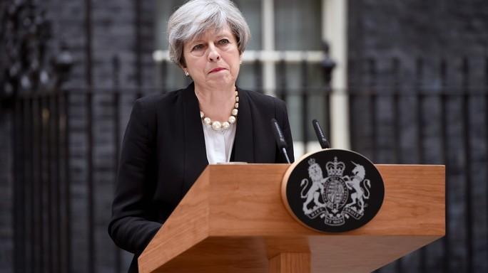 """Theresa May: """"Sapremo affrontare i prossimi attacchi"""""""