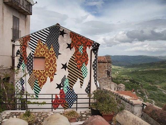 La Street art di AliCè per salvare l'antico borgo