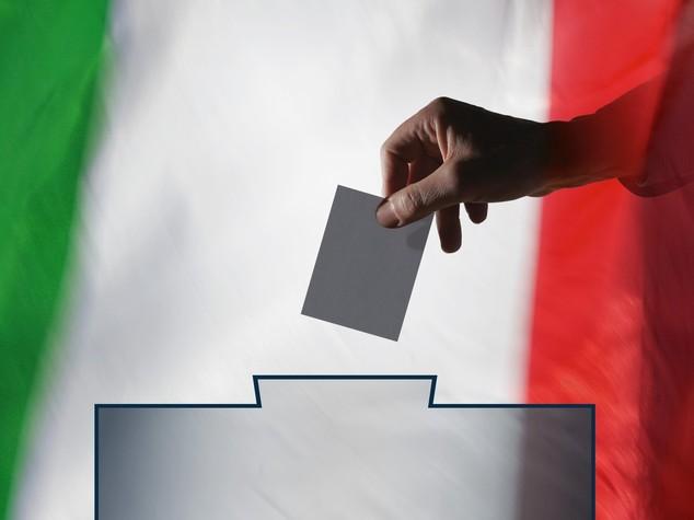 Intesa a 4 sulla legge elettorale, via i capilista bloccati
