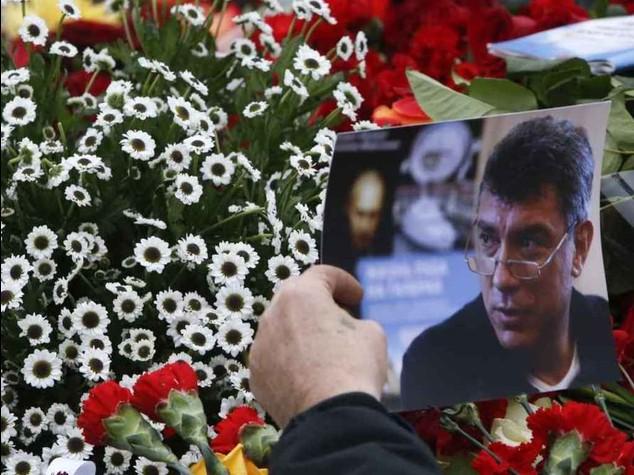 Nemtsov: incriminati 2 dei 5 ceceni fermati, uno confessa, un altro si fa esplodere