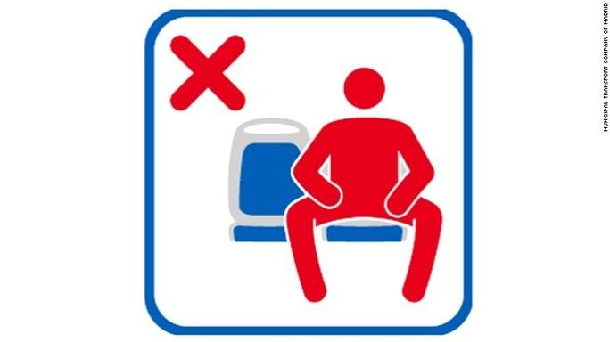 Cos'è il manspreading (sugli autobus) e perché non piace alle donne