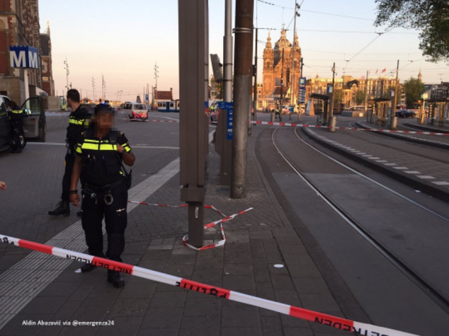 Amsterdam: auto sulla folla, 8 feriti