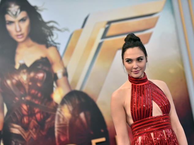 Wonder Woman salva il mondo, ma non in Libano