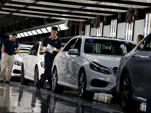 Segnali di ripresa per l'industria, corre anche il mercato auto (+44,9%)