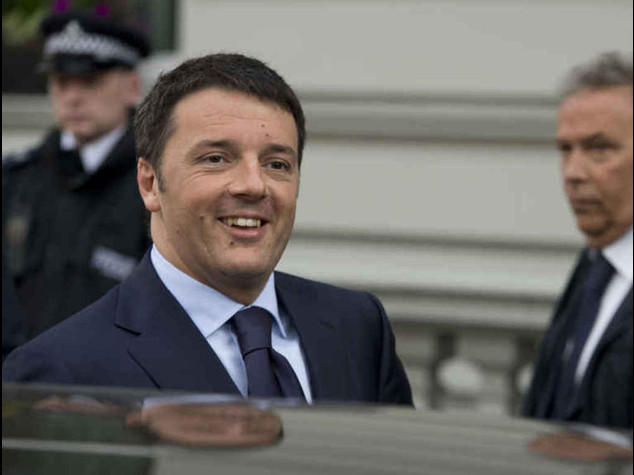 "Renzi: ""fiducia in Descalzi, felice di averlo nominato"""