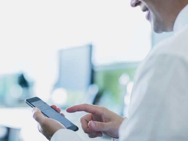 Fine del roaming: telefonare in Europa costa come in Italia, 25 cose da sapere