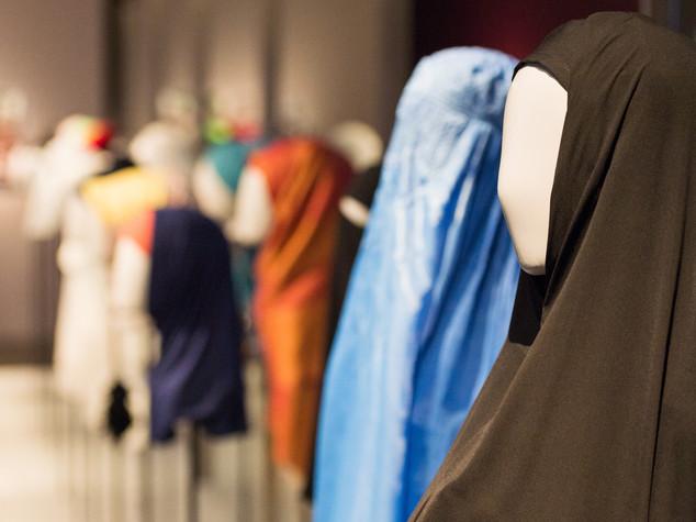 Burqa e niqab, i veli integrali che non piacciono all'Europa